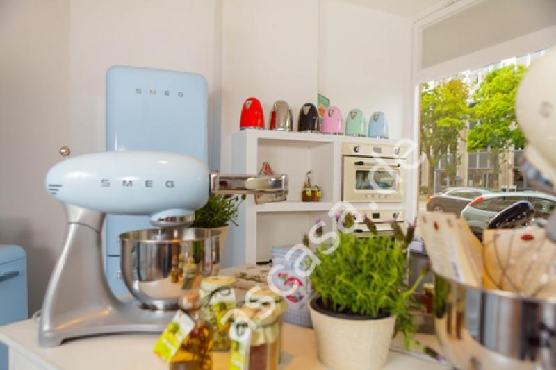 Smeg Kühlschrank Reduziert : Smeg sf vpo kompakt dampfgarer creme messing